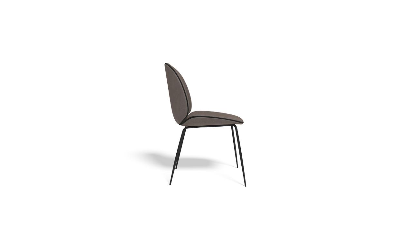 כסאות מרופדים